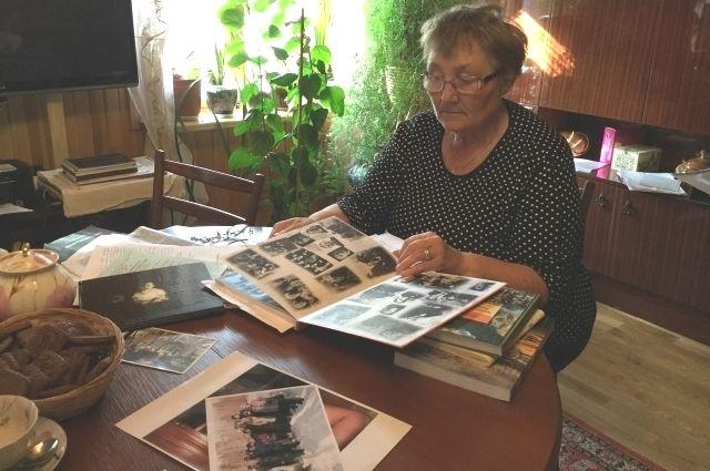 Нина Вечер и Надежда Симакова насобирали целый список: 230 расстрелянных евреев, 560 поляков, 32 литовца, 20 эстонцев, 120 латышей, 8 тысяч русских.