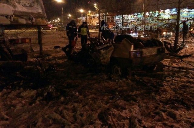 ВКрасноярске ночью вДТП погибли три человека