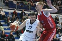 Даже в баскетбольный «Урал» попадают единицы местных ребят.