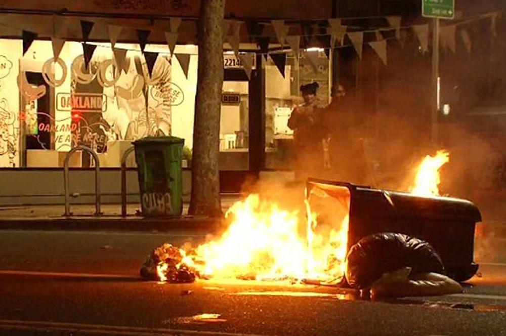 В некоторых местах протестующие устраивали подпалы