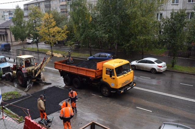 Качество ремонта дорог сейчас проверяют полиция и прокуратура.