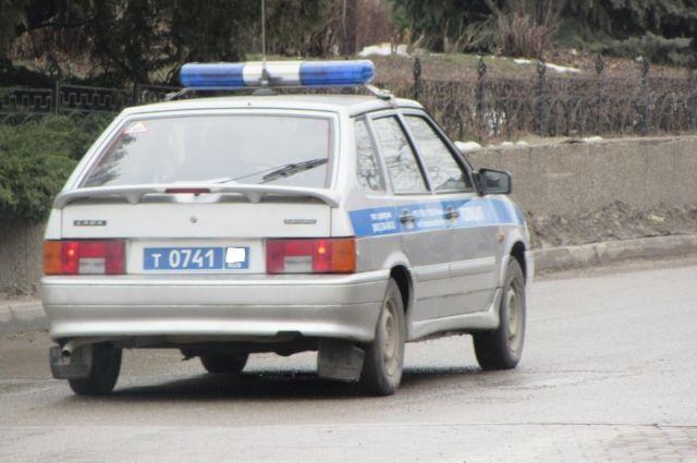 Натрассе вНижегородской области расстреляли машину ДПС