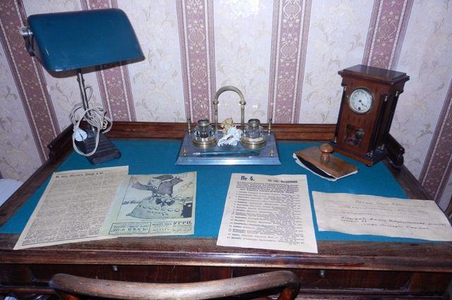 Квартира на 10-й Советской сначала была музеем-квартирой Сталина, затем Ленина, а сейчас Аллилуевых.