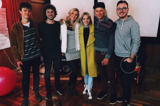Популярная британская эстрадная певица спела украинскую народную песню