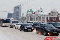 Скорость автомобиля в центре не превышает 20 км/ч