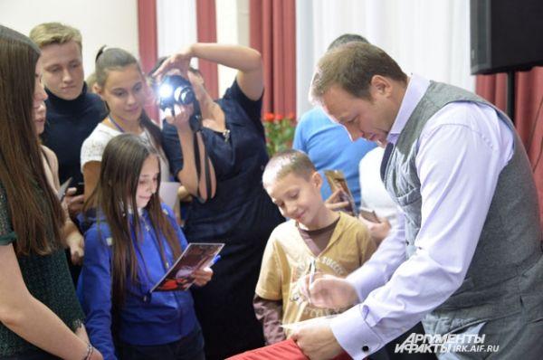 Вечером Георгий Дронов поучаствовал во встрече со зрителями.