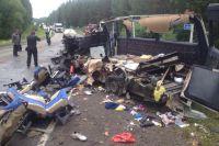 В ДТП под Балахтой погибли 11 человек, еще 9 - получили ранения.