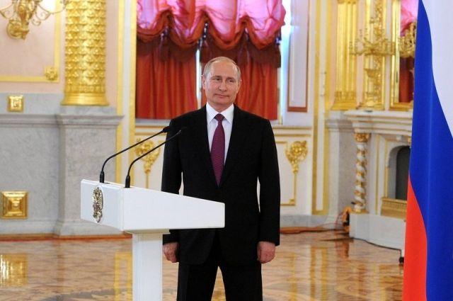 Путин пообещал продолжить поддержку русского автопрома