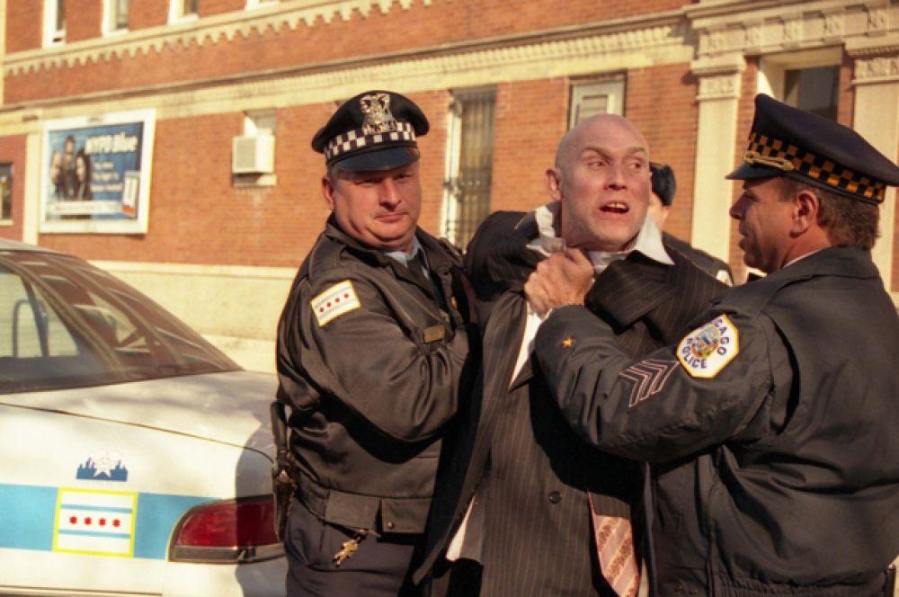 Настоящую народную любовь актеру принесла картина «Брат 2» (2000).