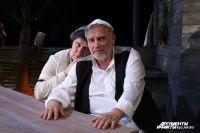 Михаил Салес в роли Тевье-молочника в «Поминальной молитве».