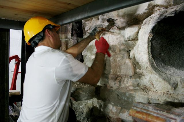 Реставрационные работы в храме Гроба Господня.