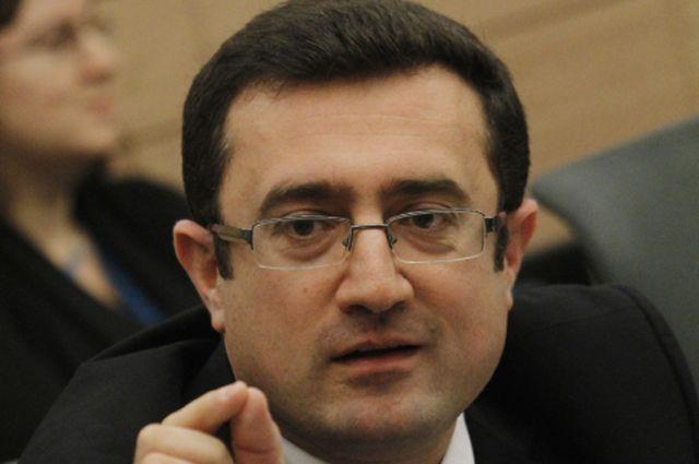 Роберт Илатов.