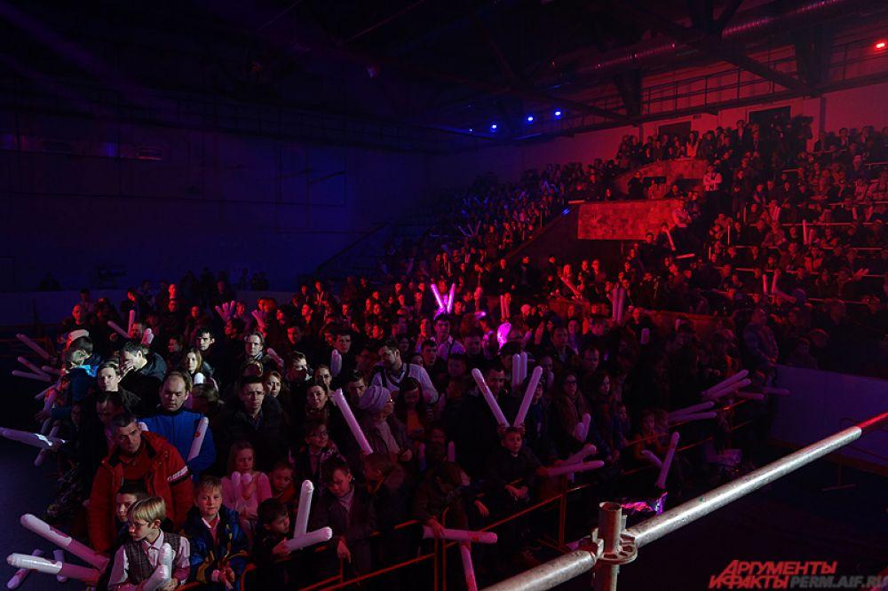 Мероприятие проходило на большой ледовой арене дворца спорта «Орлёнок».