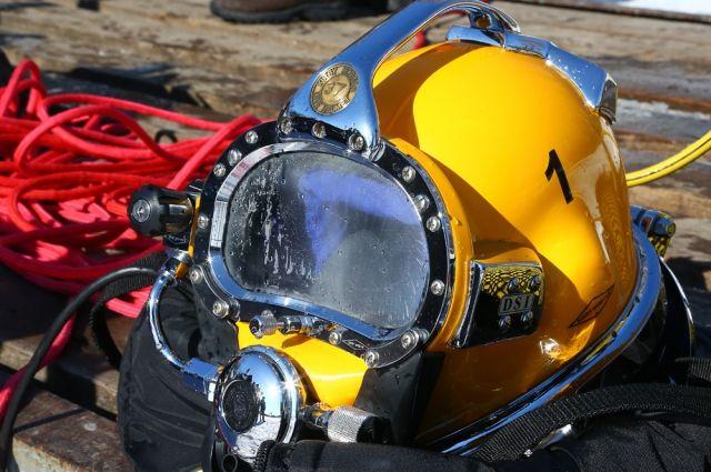 ВСызрани водолазы подняли содна Волги затонувший автомобиль
