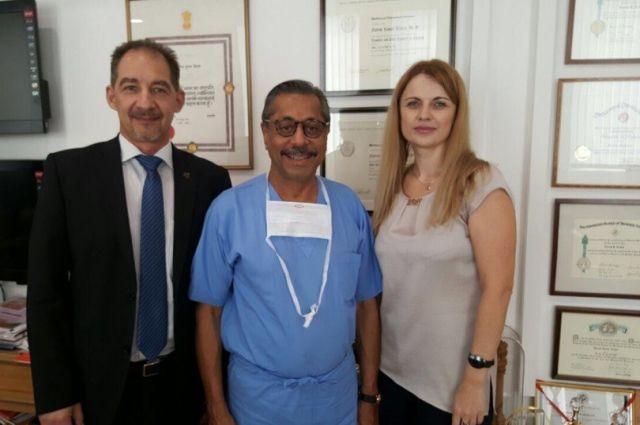 Три дня красноярские врачи провели в индийской клинике.