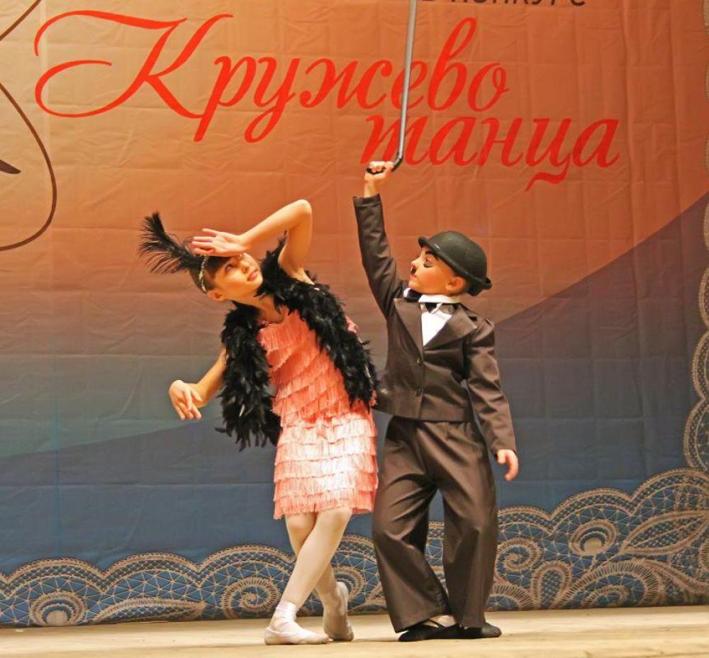 А детский танец показывали юные артисты от семи до десяти лет и даже дошколята.