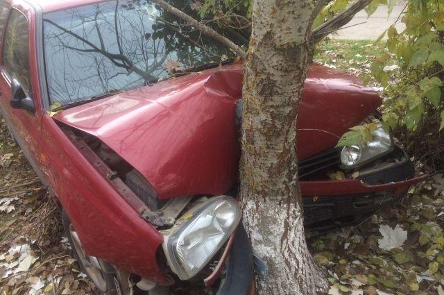 НаСтаврополье шофёр иномарки потерял сознание иврезался вдерево