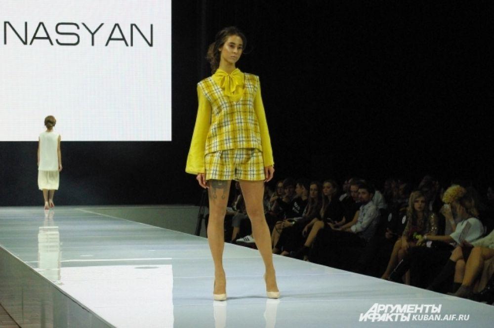 Яркий салатовый и модные шорты от NanaMinasyan.