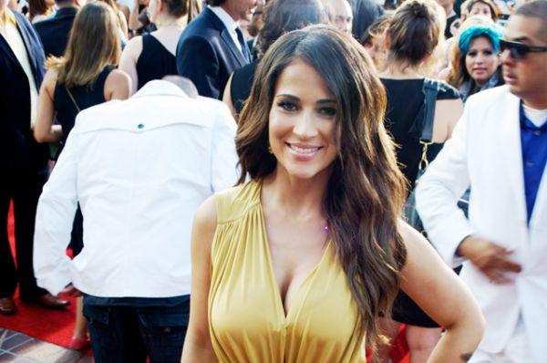 Одна из самых известных телеведущих в Пуэрто-Рико — экс-супруга популярного исполнителя Дона Омара актриса Джеки Герридо.