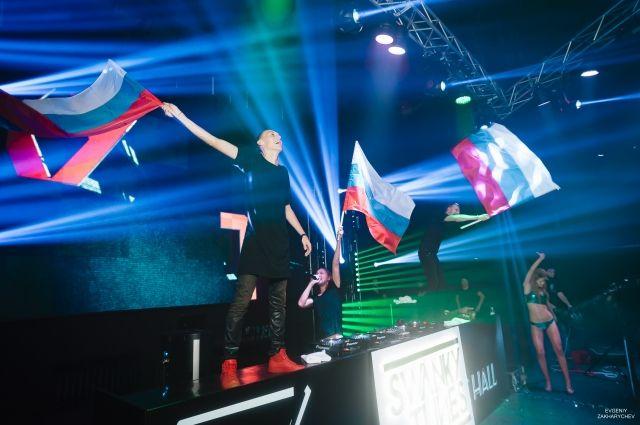 Смоленские Swanky Tunes стали диджеями номер один в РФ