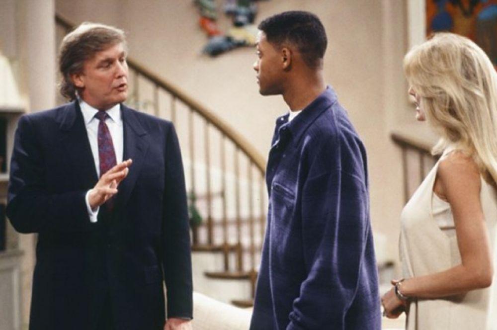 В сериале «Принц из Беверли-Хиллз» (1990 – 1996) с Уиллом Смитом Трамп появляется в 25 серии 4 сезона и по сценарию желает купить дом, в котором живет семья главного героя.