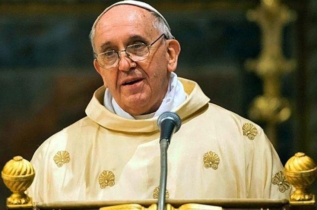 папа римский франциск принес извинения бездомным