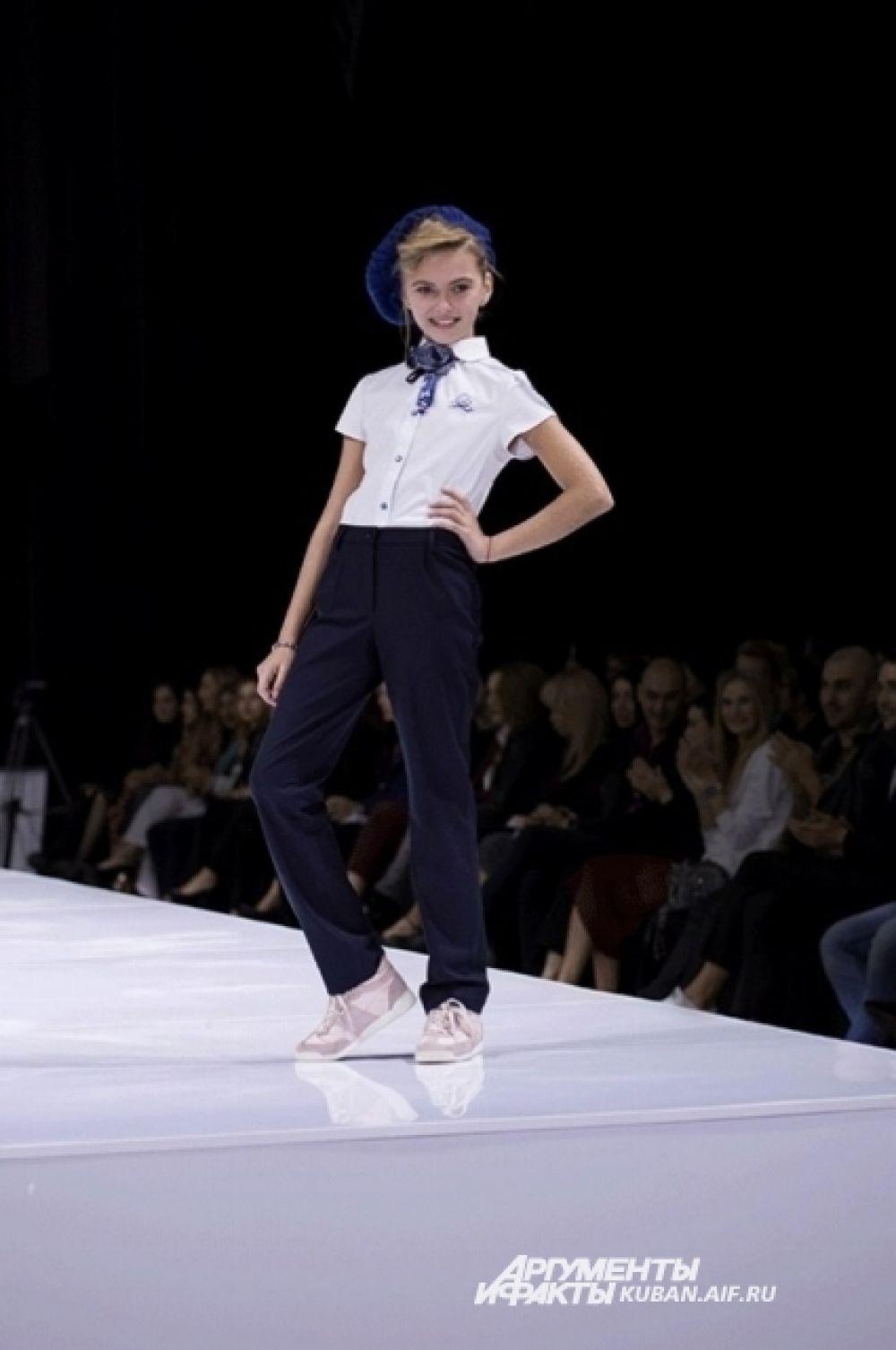 Моделями, которые примерили наряды Елены Муравлевой, были простые кубанские школьники.