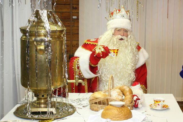 В город вместе с холодами приехал и Дед Мороз.