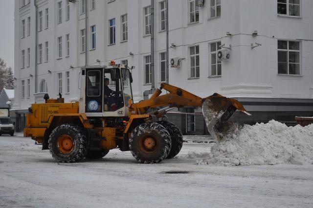 Дорожные службы не справляются с уборкой снега