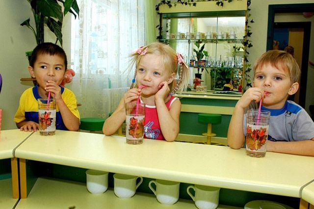 Родительствок платы не хватает, чтобы прокормить ребёнка в детском саду.