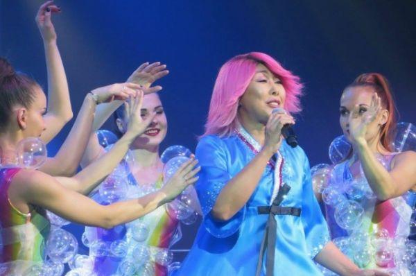 Анита Цой феерично выступила на Дону со своей новой программой под названием «10/20».