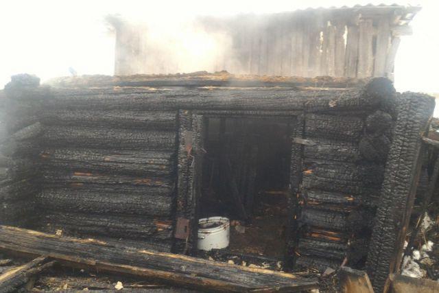 ВБабаевском районе сгорела хозяйственная постройка, 2 козы икурицы