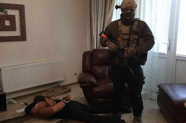 50 тысяч долларов заполцены. Под Киевом СБУ задержала продавцов фальшивой валюты