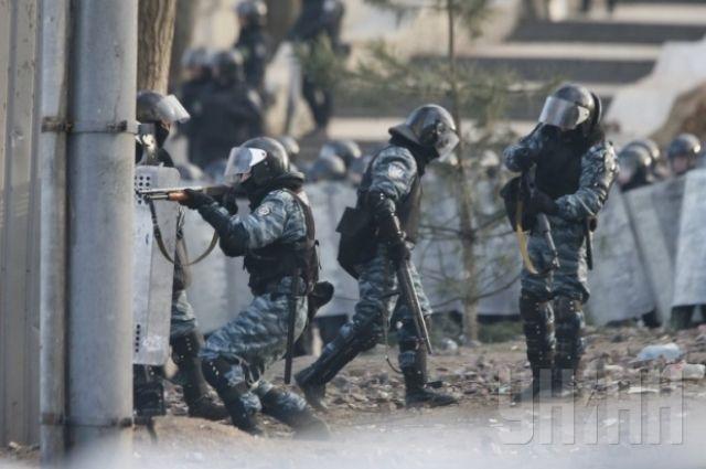 Суд выпустил обвиняемого врасстрелах наМайдане «беркутовца»
