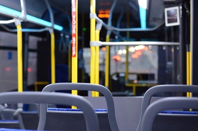 Из-за мороза часть автобусов вБарнауле невышла намаршруты