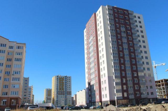 Жильцы 11 аварийных домов Калининграда до конца года переедут в новое жилье.