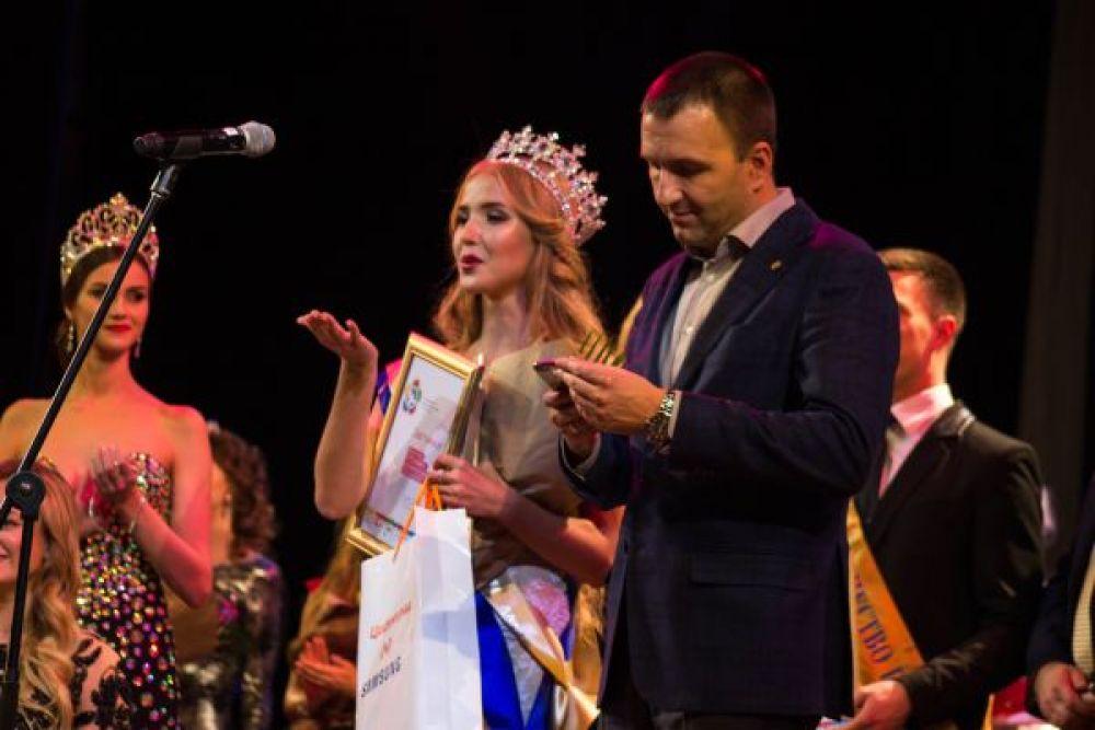 19-летняя Диляра Ялалтынова стала обладательницей титула. Теперь она будет представлять Россию на международном конкурсе «Королева Весна – 2017», который пройдет в Минске
