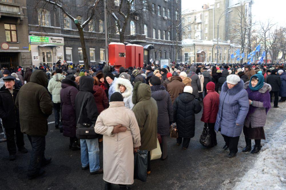 Несмотря на то, что ситуация на месте проведения митингов была спокойная, туда прибыли около 5000 правоохранителей, среди которых представители Нацгвардии и полиции.
