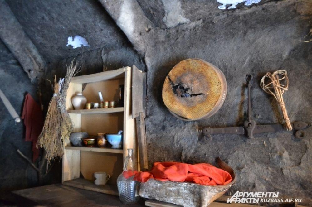 Вся кухонная утварь в музее настоящая.