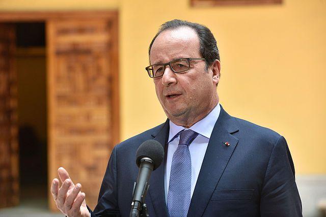 Режим чрезвычайного положения во Франции продлят до весны 2017 года