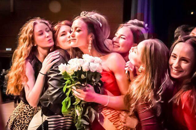 Обладательница титула «Мисс ПФО» Ангелина Эндржейчак на областном конкурсе «Мисс студенчество-2016».