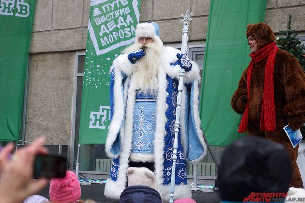 Новогодний волшебник пожелал крепкого здоровья всем гостям праздника.