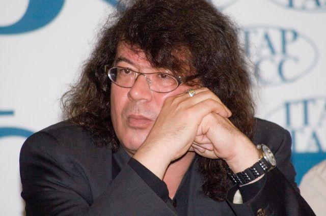 Игорь Корнелюк и сегодня очень много трудится, он увлечен написанием симфонической музыки.