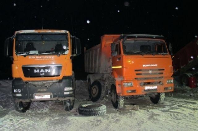 Вахтовик вЮгре умер, ремонтируя КамАЗ— взорвалась покрышка
