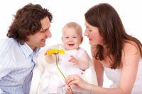 Если мужчина любит женщину, он обязательно полюбит и её ребёнка.