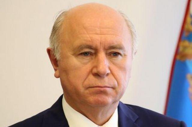 Николай Меркушкин поздравил самарского боксера Максима Власова спобедой