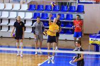 Пока настроиться на стиль игры алтайских волейболистов получается не у всех соперников.