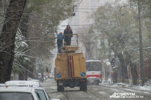 ВКраснодаре спецслужбы перешли наусиленный режим работы из-за снега