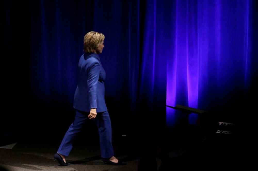 За Клинтон отдали свои голоса более 61 963 234 избирателей, в то время как за Трампа проголосовали 60 961 185 человек.