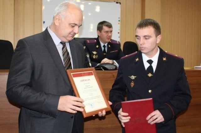 В службе участковых Денис Пуршев работает почти 10 лет.